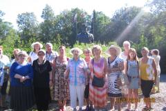у памятника Толмачеву